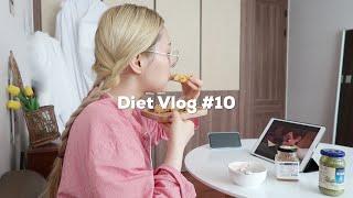 постер к видео EN)Diet Vlog #10  스콘 너무 좋아! |생리 시작하고 1kg가 쪘다