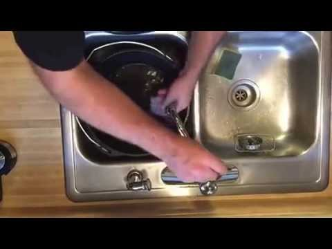 how to clean a cast iron dutch oven youtube. Black Bedroom Furniture Sets. Home Design Ideas