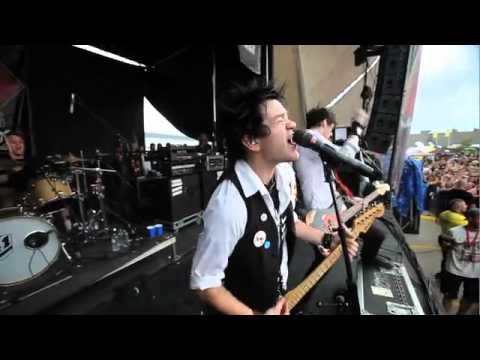 Sum41 - Still Waiting (Warped Tour 2010)
