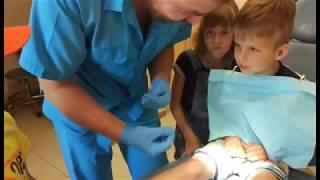 видео удаление молочного зуба