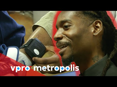 Teaching at a ghetto school in Chicago - vpro Metropolis
