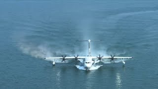 China's amphibious aircraft AG600 completes maiden flight from water