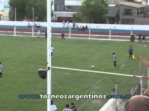 Cipolletti 2 - Racing (Olavarría) 0
