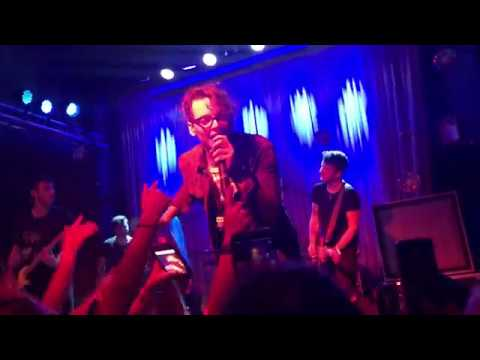 """The Wrecks - """"Are You Gonna Be My Girl?"""" (Jet Cover) @ Metro Gallery"""