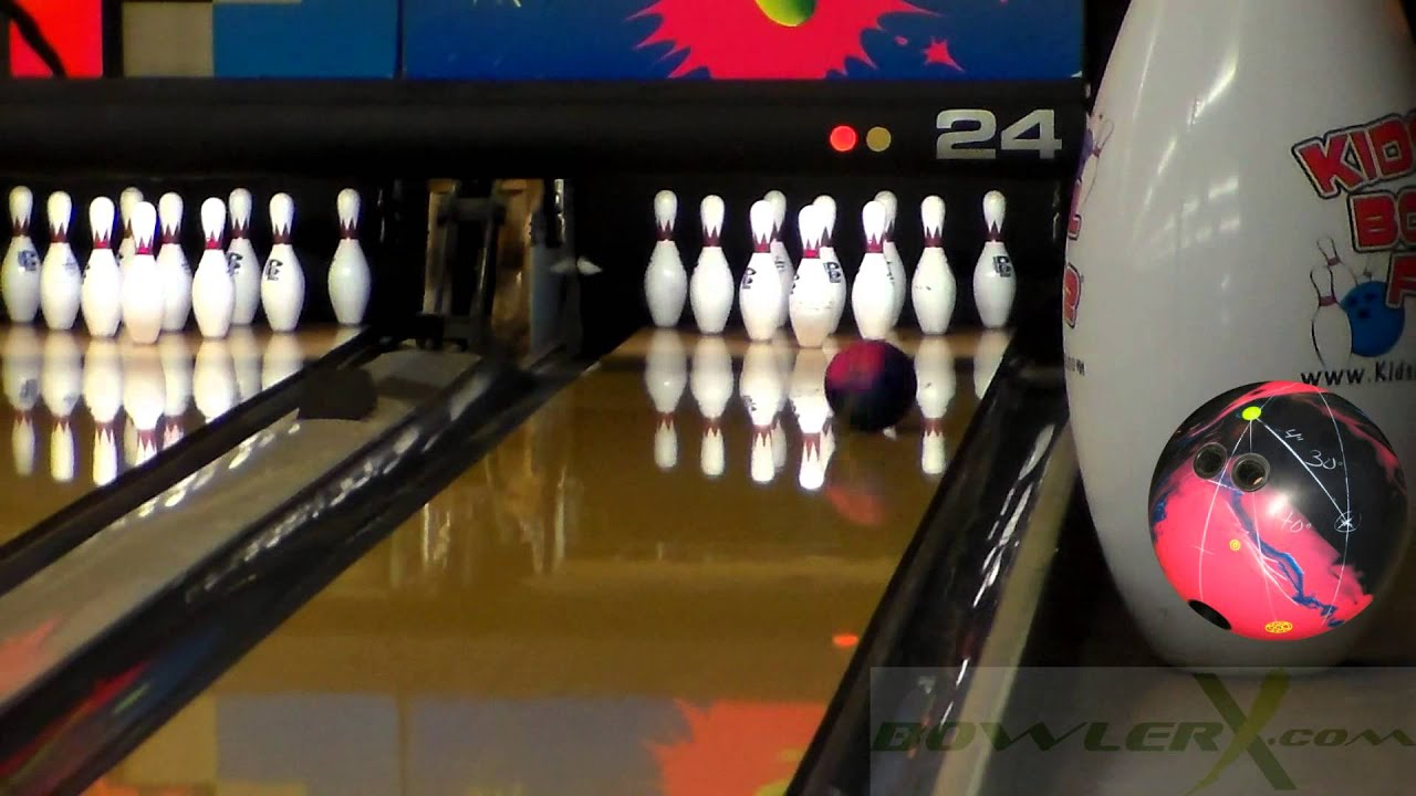 Bowling video images 44