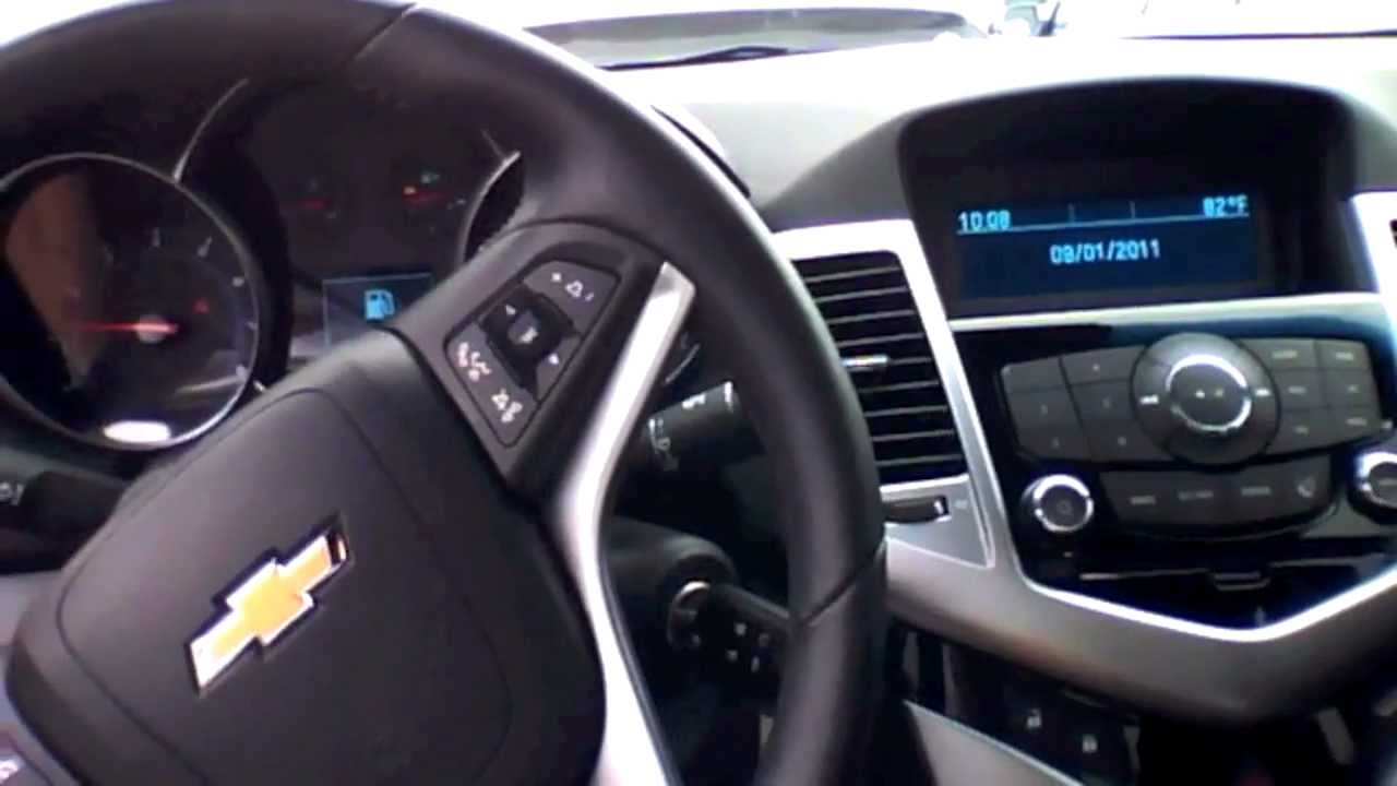 Cruze 2011 chevy cruze silver : 2011 Chevrolet Cruze LT Start Up, Quick Tour, & Rev With Exhaust ...