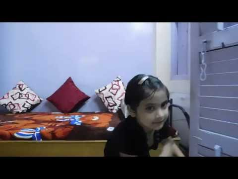 Cute girl Dancing at home(song- Munde mere lips pe...