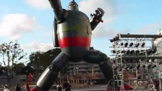 鉄人28号 神戸 『KOBE鉄人PROJECT(神戸鉄人プロジェクト)』 神戸市長田区の若松公園内に高さ15.6m(全長18m)の実物大モニュメント像.
