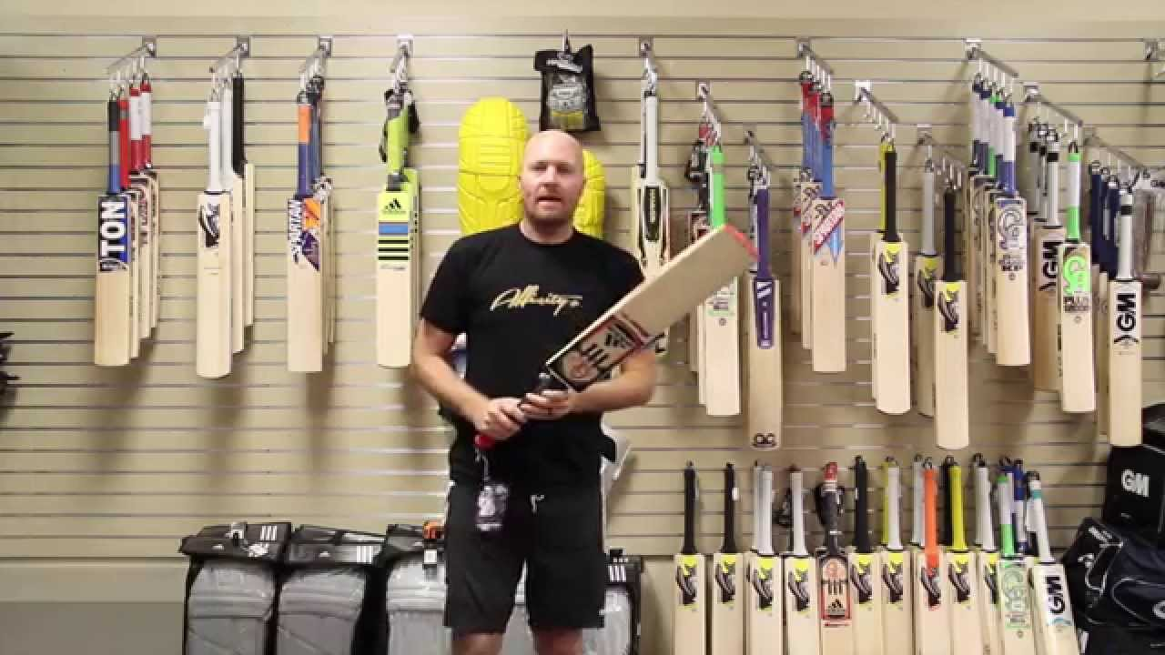 how to hold a cricket bat in hindi