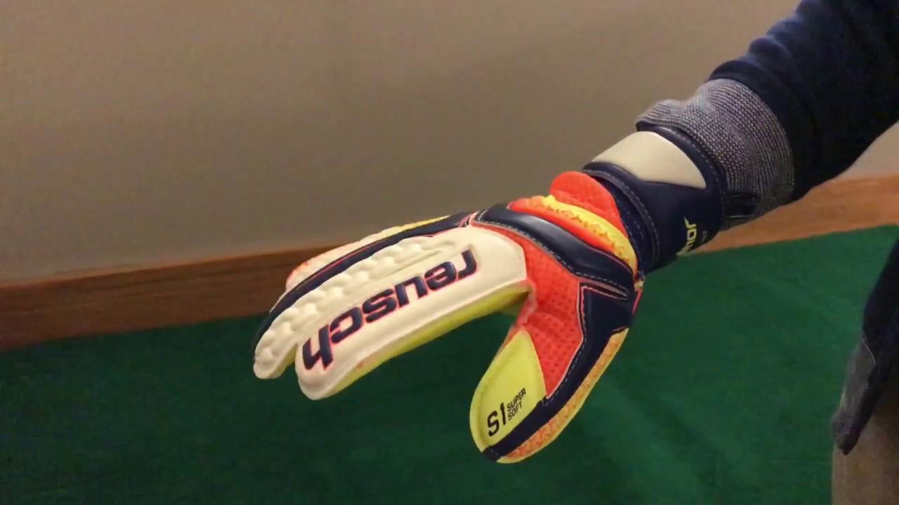 cdb72c4eb   GOALIE GLOVE TEST   Reusch Serathor S1 Roll Finger Junior Goalkeeper  Gloves