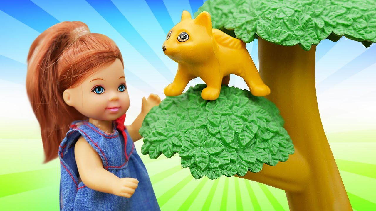 Штеффи и котёнок на дереве - Видео для девочек про куклы Барби