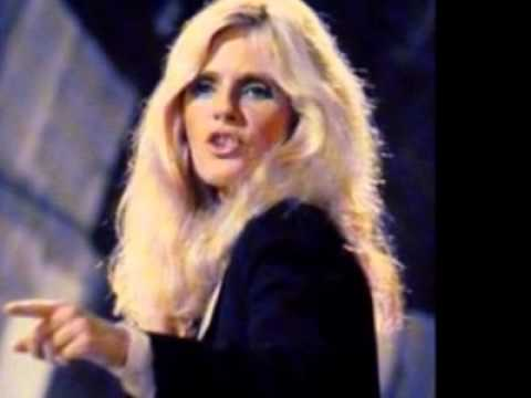 Kim Carnes  Don't Fall In Love With A Dreamer
