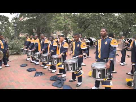 "UNC & NC A&T Drumline warming up in ""The Pit"" 09.12.2015"