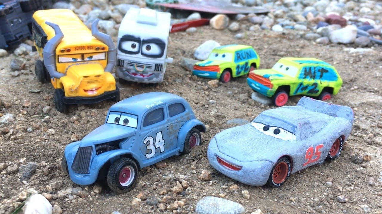 Disney Cars 3 Toys Lightning Mcqueen Junior Moon Save River Scott From Miss Fritter Toy Story Play