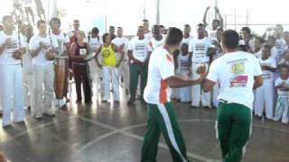 briga na capoeira