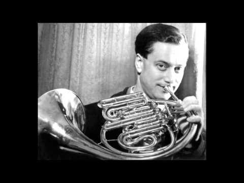 Mozart - Horn concerto n°1 - Brain / Philharmonia / Karajan