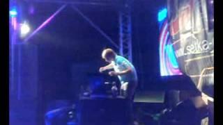 14 Biskvit   Last Applause Nikita Ukoloff Technology Remix