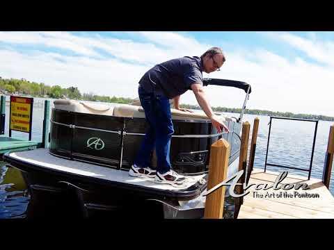 13)Docking Part 2  | 2017 Avalon Luxury Pontoons