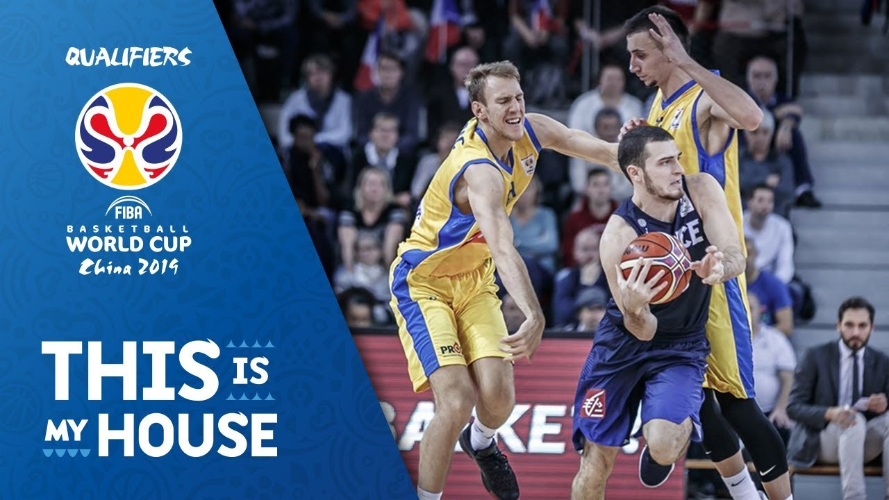 TISSOT BUZZER BEATER: Axel Julien sinks one from downtown to end the first half!