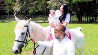 اول مرة بيبي تركب الحصان (ردة فعلها😍)