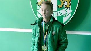 «Хто ми? Леви!»: нагородження 11-річних карпатівців золотими медалями за перемогу в обласній ДЮФЛ