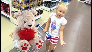 Только ОДНА игрушка для Алисы ! Что купит Алиса Много игрушек для детей в Детском Мире
