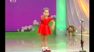 3 year old Asian Girl sings - Soooo Cute!!