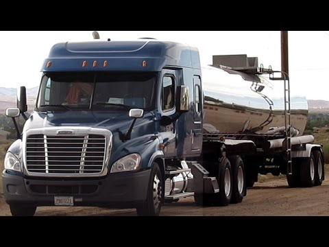 QUALITY CARRIERS TANKER TRUCK