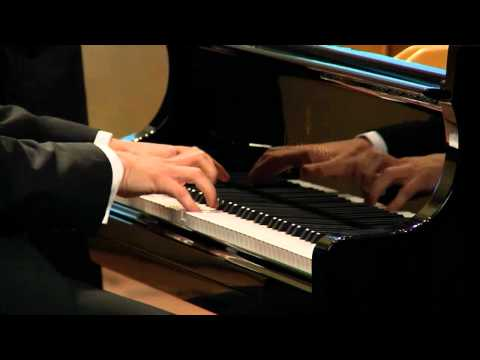 Beethoven - Sonata no. 18 in E-flat major, op. 31 no. 3 - Ilya Rashkovskiy