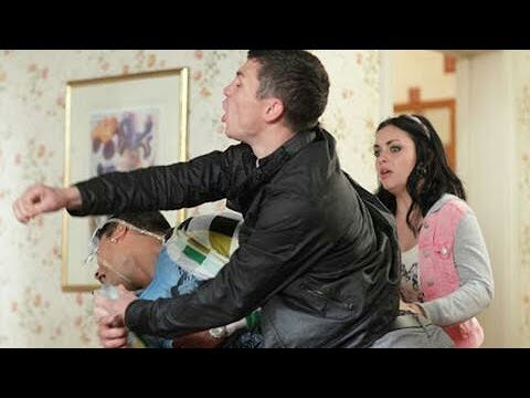 EastEnders - Rob Grayson Beats Up Fatboy Chubb (25th August 2011)