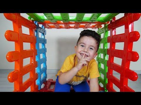 Evde Saklambaç Oynadık | Hide and Seek | Eğlenceli Çocuk Videoları