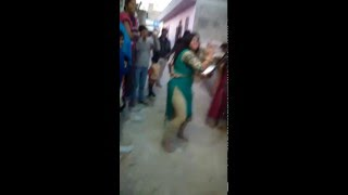AWESOME DANCE BY A CUTE GIRL