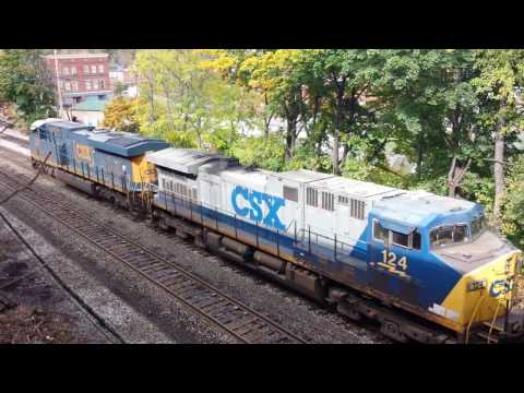 Empty Coal Train Hits Emergency Brakes - turn up your sound!