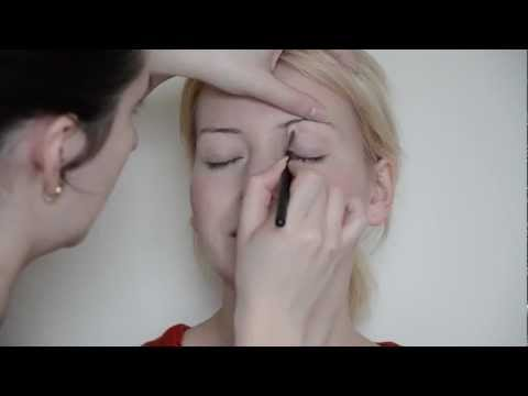 Minimal Make-up Look for Actor's Headshots - Make-up Tutorial by Diana Lupulesc
