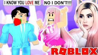 MY BEST FRIEND'S CRUSH THINKS I'M IN LOVE WITH HIM... Roblox Royale High Roleplay