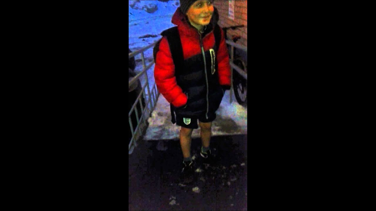 Мальчик в шортах занимается онанизмом видео фото 520-737