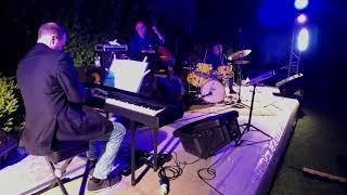4 Beats For Bamby (A. Canelli)-Marco Mancini:piano, Luigi La Verghetta:drums, Claudio Marzolo: Bass