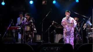 2012.8.26 渋谷GUILTYでのLIVEより 「Mommy Andrew」は2011年結成.