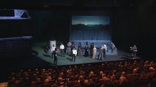 Luke und Korittke crashen Theateraufführung