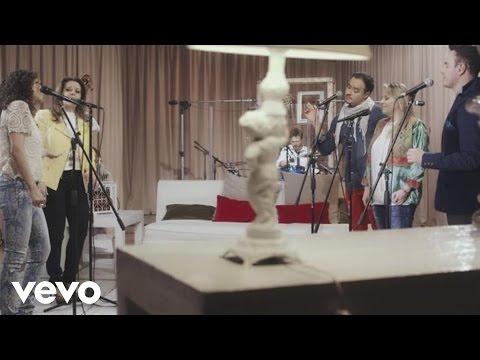 Pandora, Río Roma - Se Solicita un Amor (En Vivo)