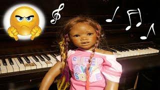 Silicone Baby Big Sister MALIA vs PIANO! Fake Toy Play Video + Reborn Kid Malia! malia. 検索動画 22