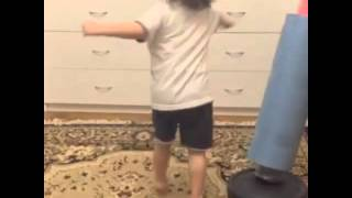 Видеоуроки самообороны по тхэквондо. Болов Умар.(Самооборона для детей., 2015-12-21T06:31:29.000Z)