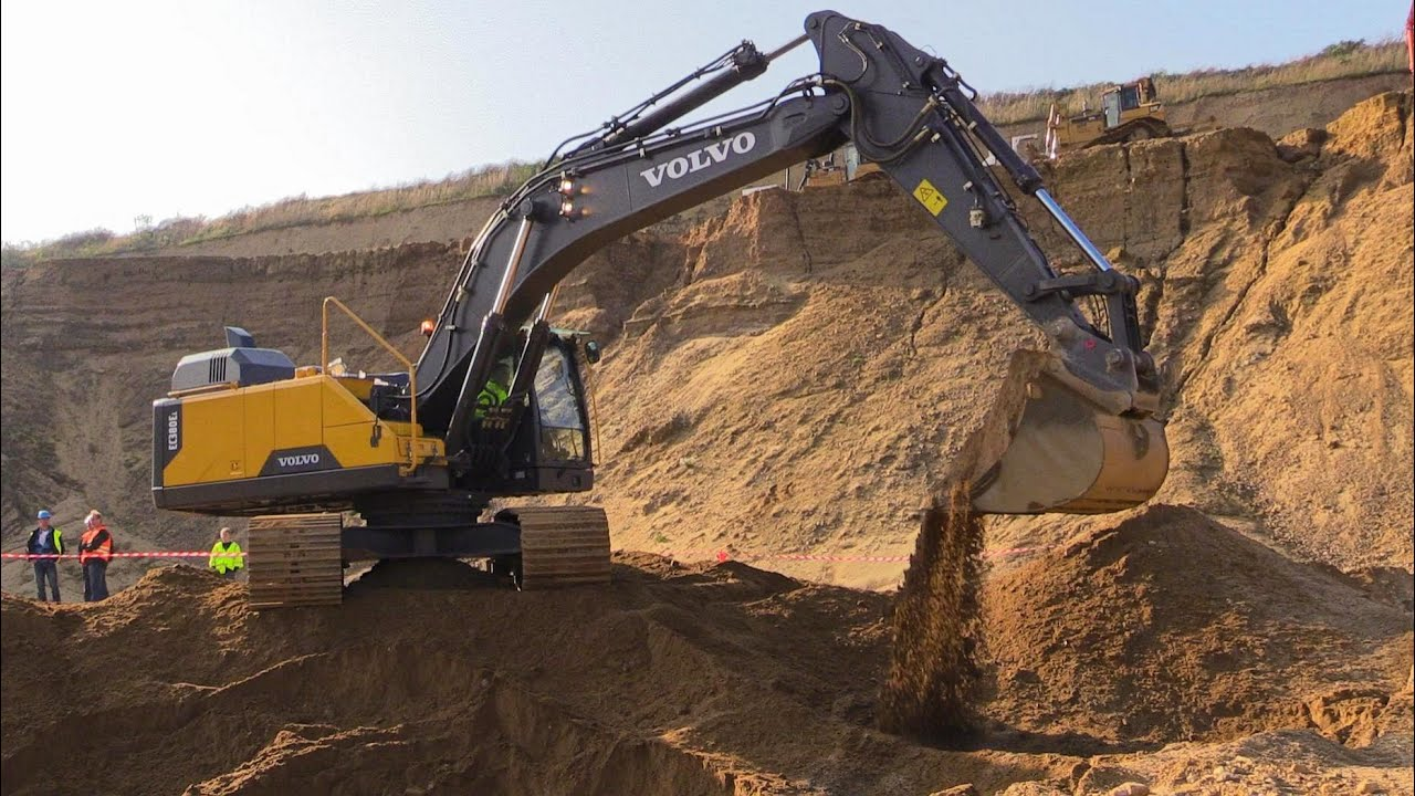 The New Volvo Ec380e Excavator Digging In Sand Youtube