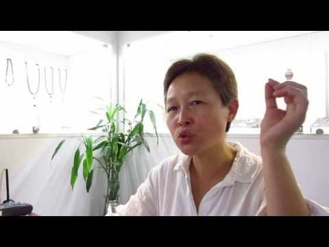Haiying in Beijing 2016 - Chat with an art store manager
