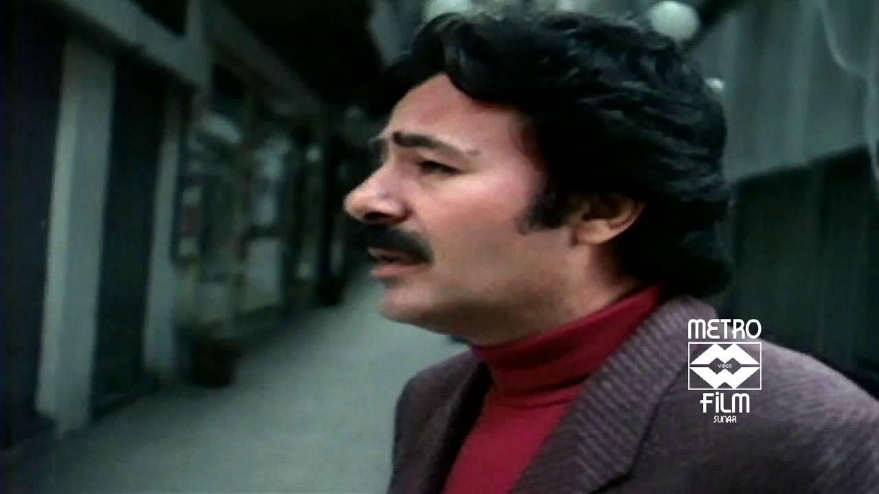 Ferdi Tayfur - Bizim Sokaklar Orjinal Film Klibi - 1985