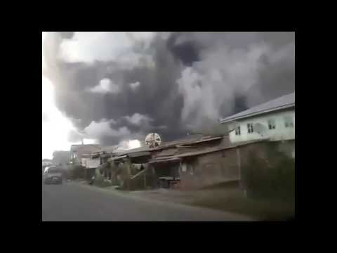 27/12/2017 15:36 - Mt Sinabung Erupted