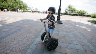 VLOG Сигвей Гироскутер Осваиваем чудо-технику giroboard gyroscooter segway(Дима осваивает смарт-борды: сигвей и гироскутер! Первые успехи. Dima learn smart-bords: giroboard / gyroscooter / segway! First attainment...., 2016-06-06T12:35:23.000Z)