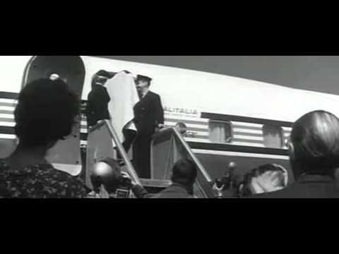 La dolce vita di Federico Fellini - Marcello! from YouTube · Duration:  1 minutes 43 seconds