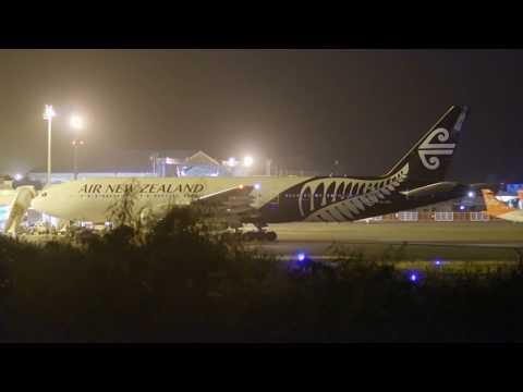 Air New Zealand (ZK-OKA). Landing in Tahiti. 11:49PM. 28/05/2017