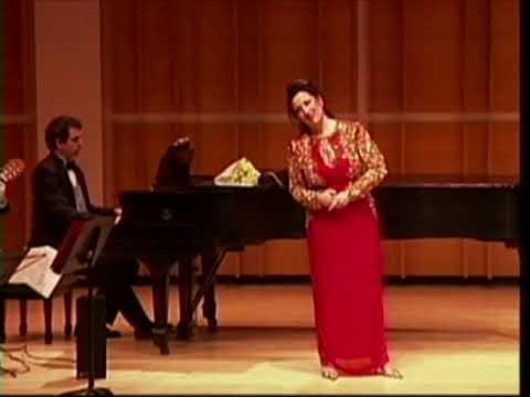"""""""O Sole Mio"""" Cristina Fontanelli, Soprano, Merkin Concert Hall, New York City"""